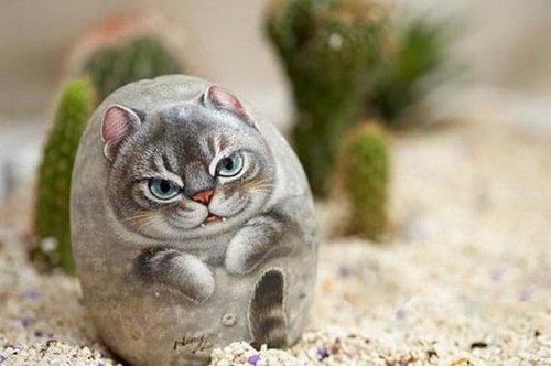 可爱猫咪的石头画